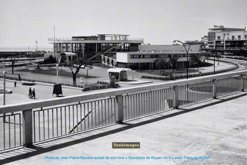 Casino Municipal de Royan vu du Portique