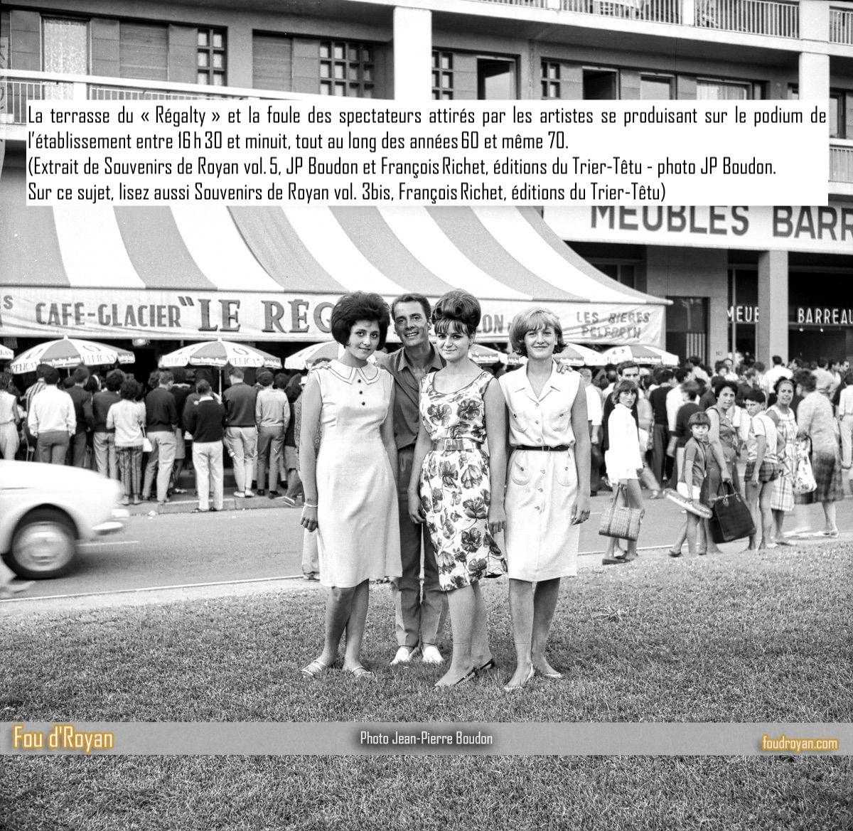 La terrasse du Regalty et la foule dans les années 60 à Royan
