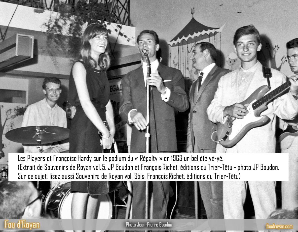 Les Players et Françoise Hardy sur le podium du «Régalty» en 1963